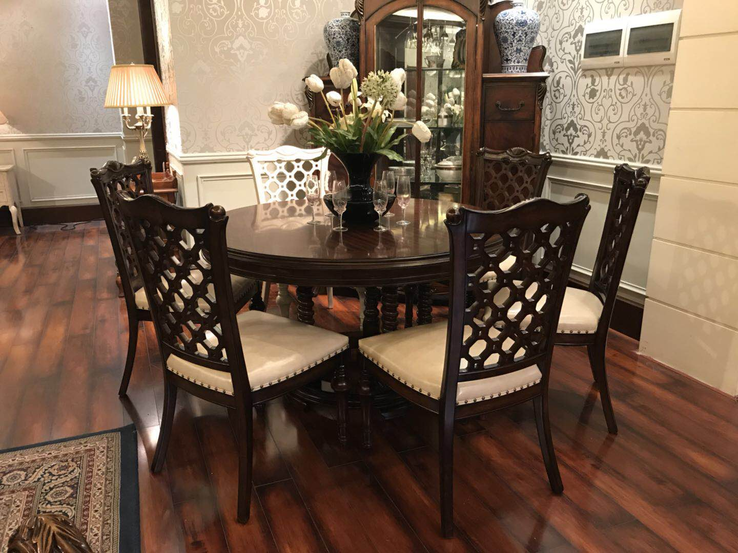 Goodwin furniture Leather dining modern chair with round and square dining table GF132 GF133